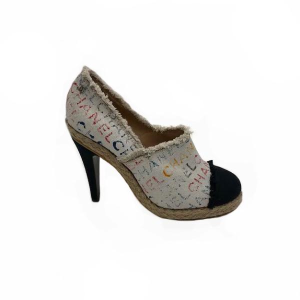 Escarpins tweed Chanel