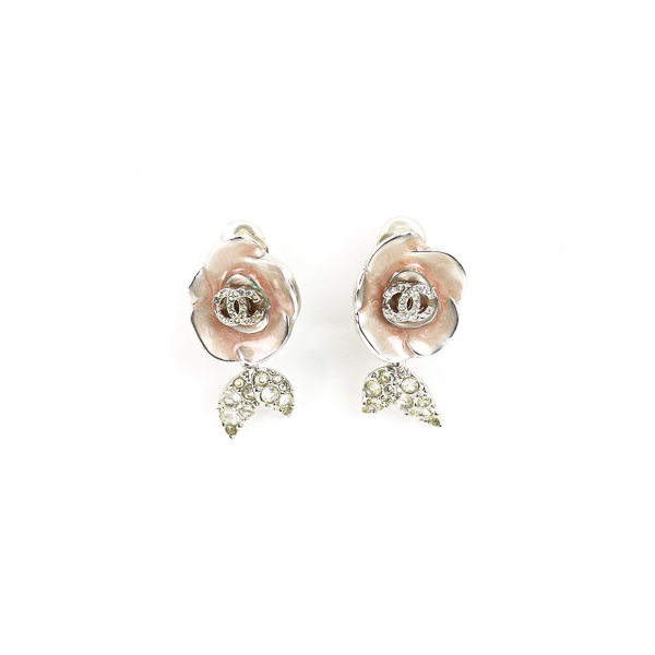 Boucles d'oreille clip Chanel rose nacré