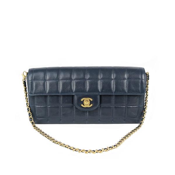 Sac Chanel Timeless cuir bleu marine face