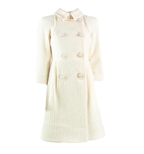 Robe Chanel tweed crème détail boutons face