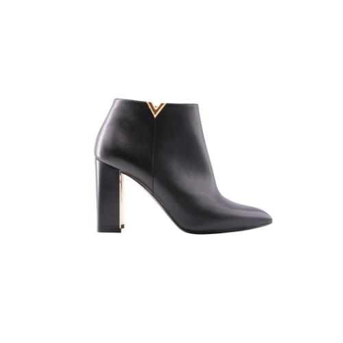 Bottines Louis Vuitton cuir noir talons détail V côté