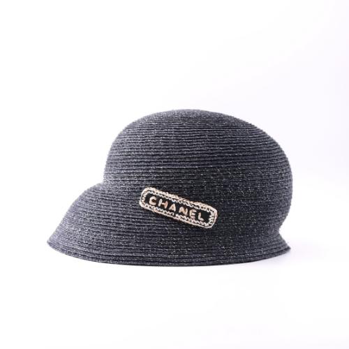 Chapeau Chanel paille marine et beige côté