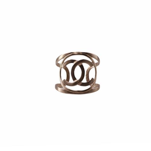 Manchette Chanel métalerie dorée face